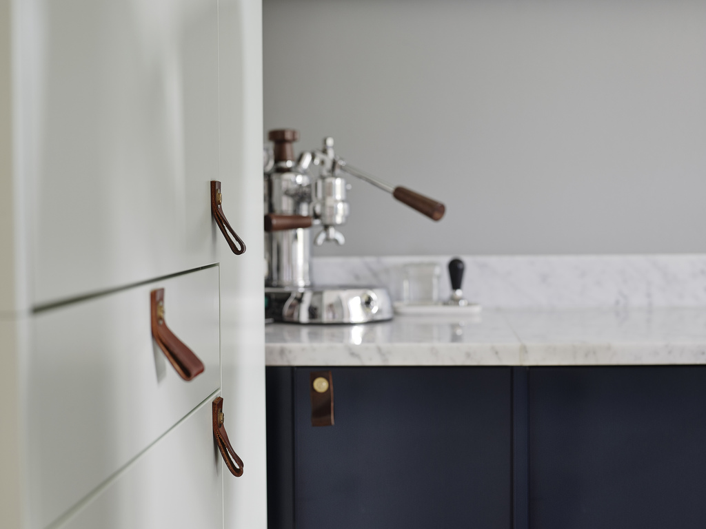 dark blue kitchen, marble counter, leather handles, scandinavian kitchen, kitchen inspiration, scandinavian love song