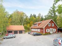 Hornsundsgården med veterinär, garage och uthyrningsrum