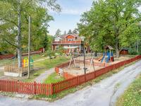 Strängnäsgården med förskola och bostadslägenhet