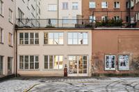Lokal i två plan med egen entré på Södermalm
