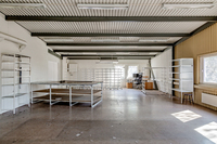 Övre plan ovan kontorsdelen lämpligt för kontor eller lättare lager