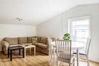 Inredd lägenhet med två sovrum högst upp
