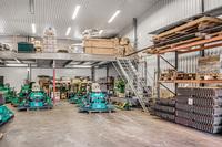 Varje entresolplan utrustat med lastfack för trucklast