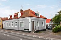 Renoverat hyreshus i lugnt samhälle