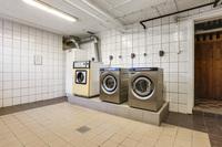 Helkaklad tvättstuga