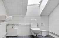 Helkaklat badrum vindslägenhet
