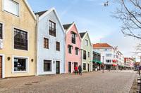 Fastighet med butik och lägenhet