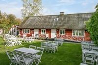 Lotta på åsen, kaffestuga/gårdsservering med tillhörande villa
