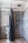 Vindslägenhet badrum